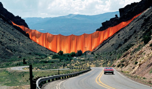 El proyecto Valley Curtain (cortina del valle) de Jeanne-Claude y Christo